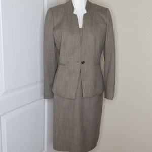 Antonio Melani 2 piece  dress suit size 6